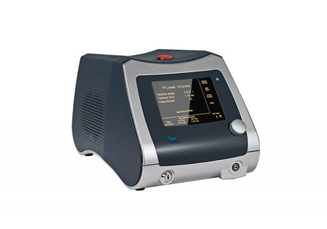 Modularly assembled medical laser used in phlebology, proctology, ENT, orthopaedics, ophthalmology and dentistry.||